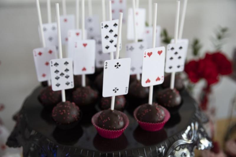 candy-bar-z-okazji-18-urodzin-motyw-kasyno-06