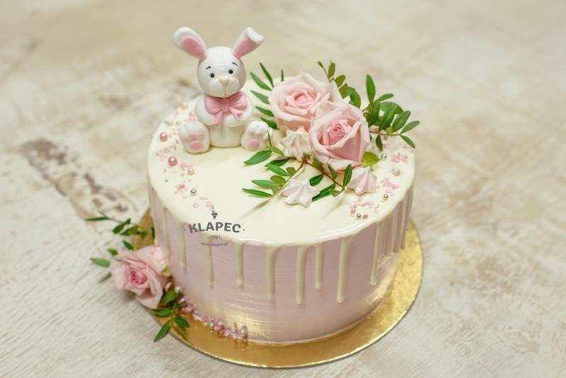 56-tort-dla-dziecka-z-ywymi-kwiatami-tort-z-kroliczkiem