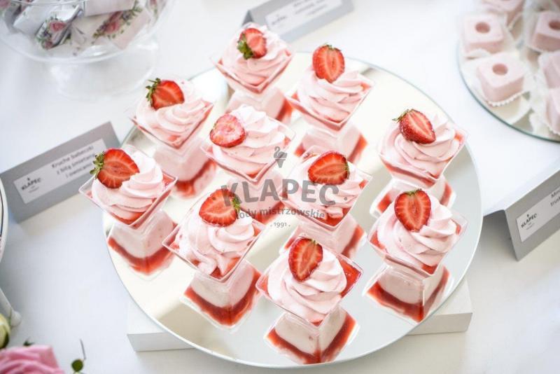 Stół pełen słodkości 59