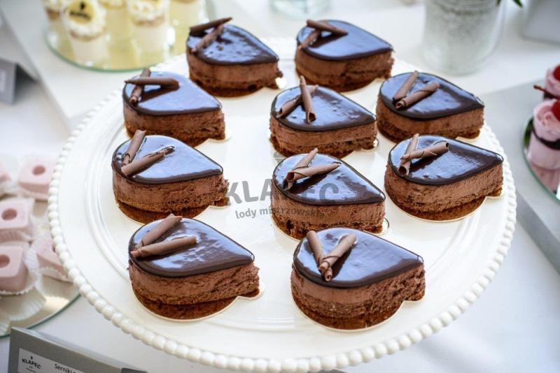Stół pełen słodkości 90
