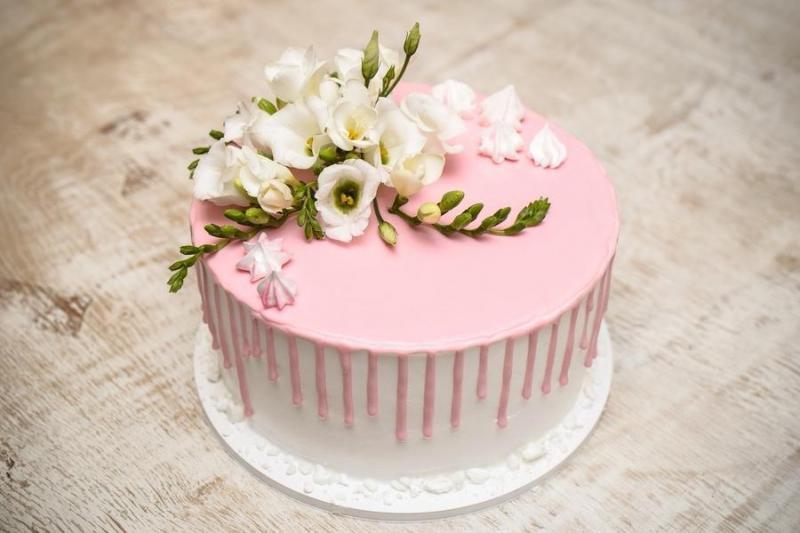 Tort na urodziny 13