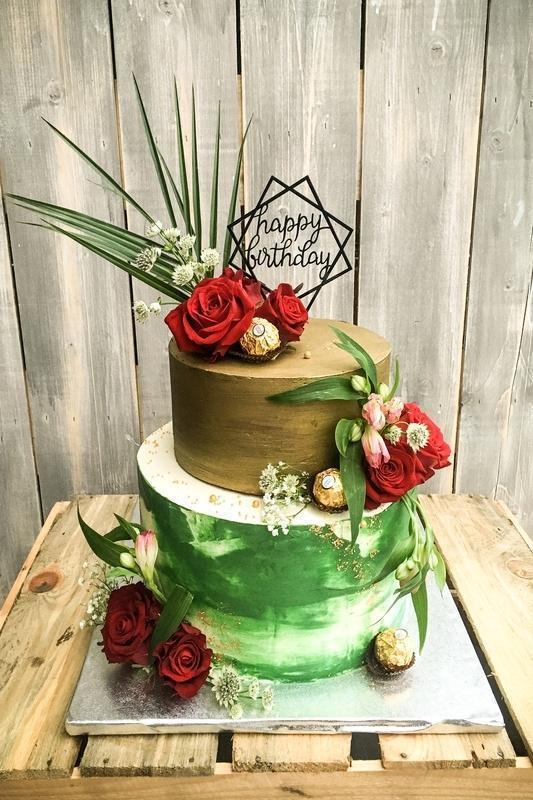 Tort na urodziny 17