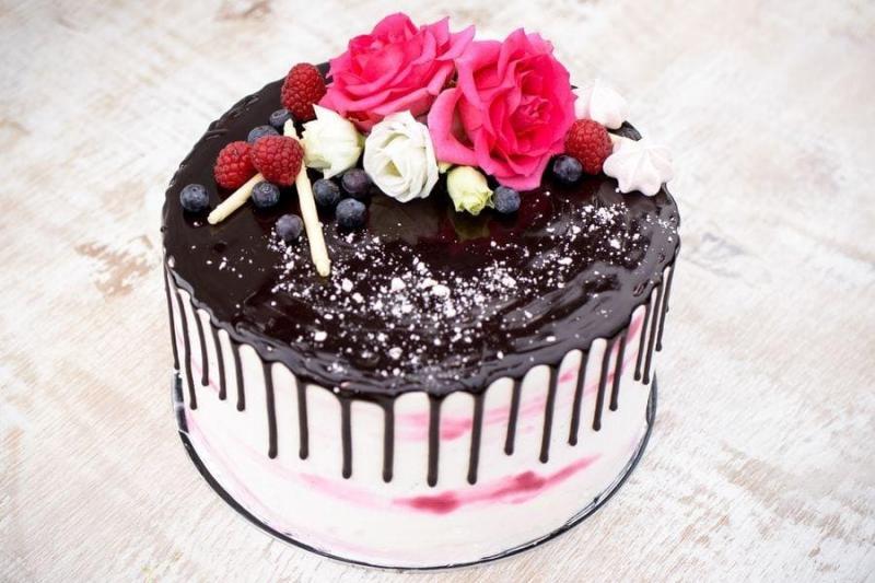 Tort na urodziny 24