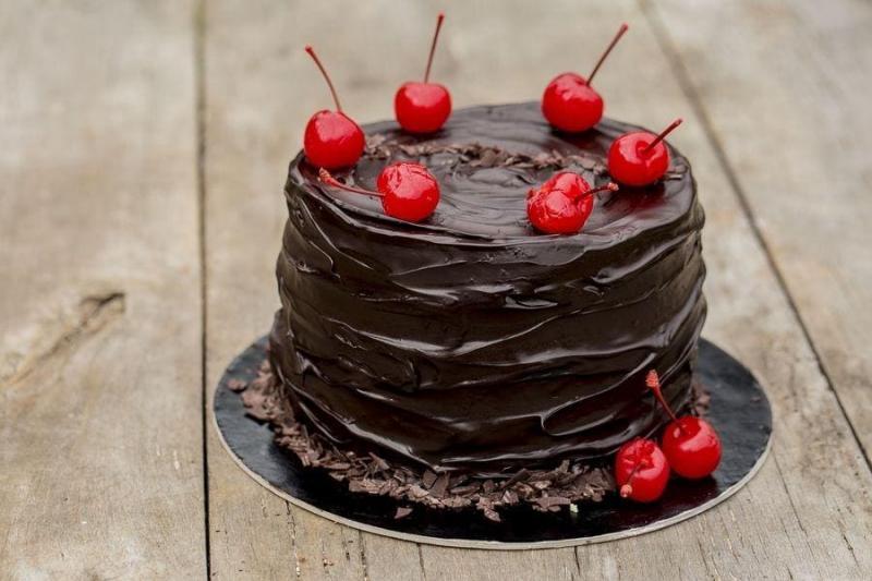 Tort na urodziny 30
