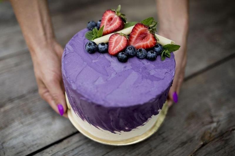 Tort na urodziny 37