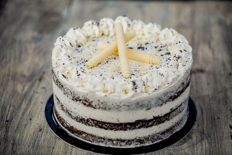 Tort na urodziny 40