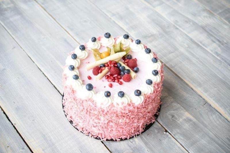 Tort na urodziny 49
