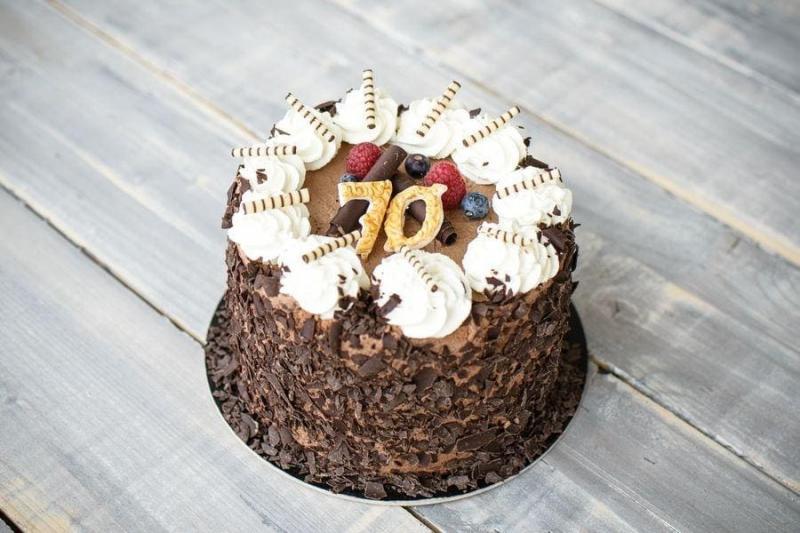 Tort na urodziny 52