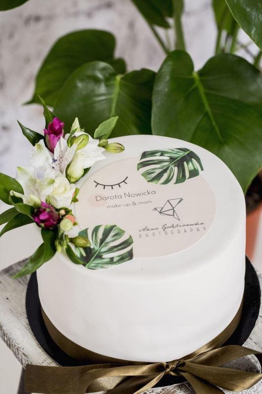 Tort na urodziny 57