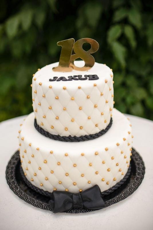 Tort na urodziny 58