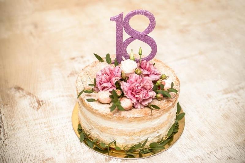 Tort na urodziny 6