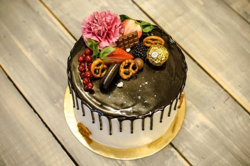 Tort na urodziny 7