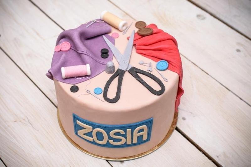 Tort na urodziny 9