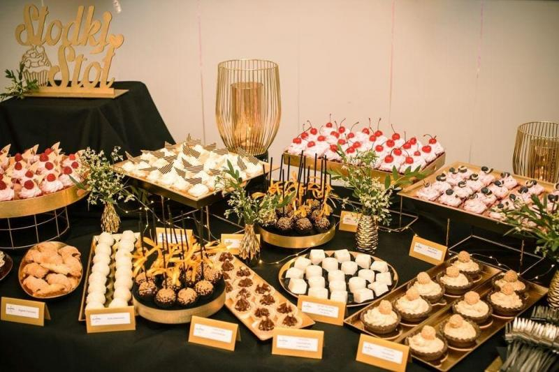 Słodki stół bankiet firmowy 1
