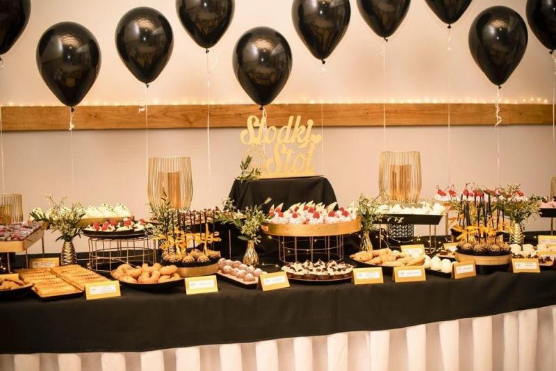 Słodki stół bankiet firmowy 13