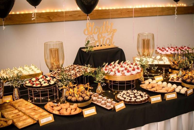 Słodki stół bankiet firmowy 17