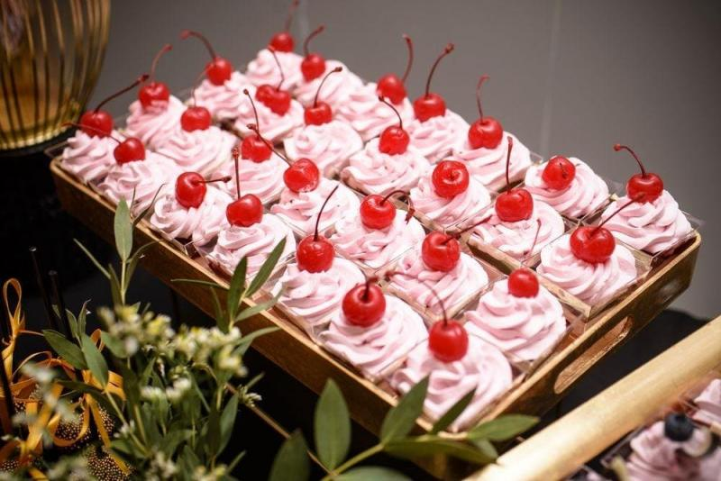 Słodki stół bankiet firmowy 18
