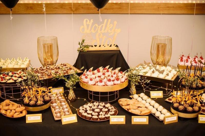 Słodki stół bankiet firmowy 21