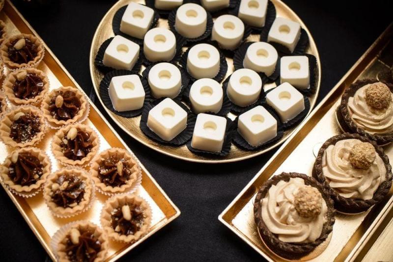 Słodki stół bankiet firmowy 23