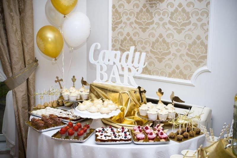 Słodki stół na komuni 10