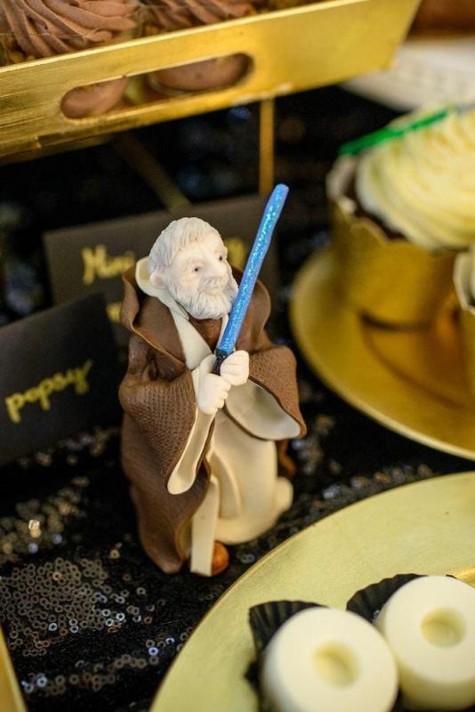 Słodki stół na urodziny Star Wars 16