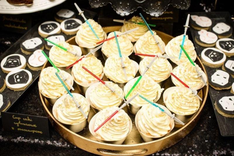 Słodki stół na urodziny Star Wars 23