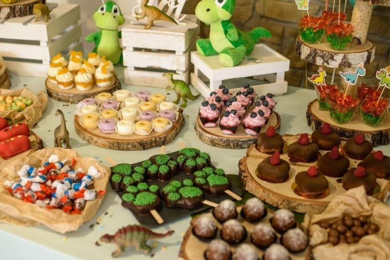 Słodki stół na roczek 12