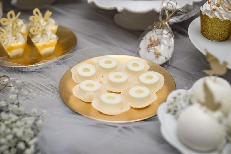Słodkie stoly komunijne 8