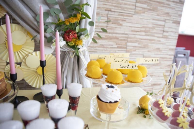 urodzinowy-candy-bar-dla-kobiety-07
