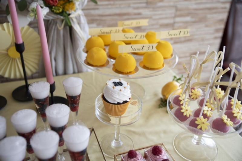 urodzinowy-candy-bar-dla-kobiety-09