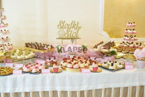 Klapec słodkie stoły na wesele